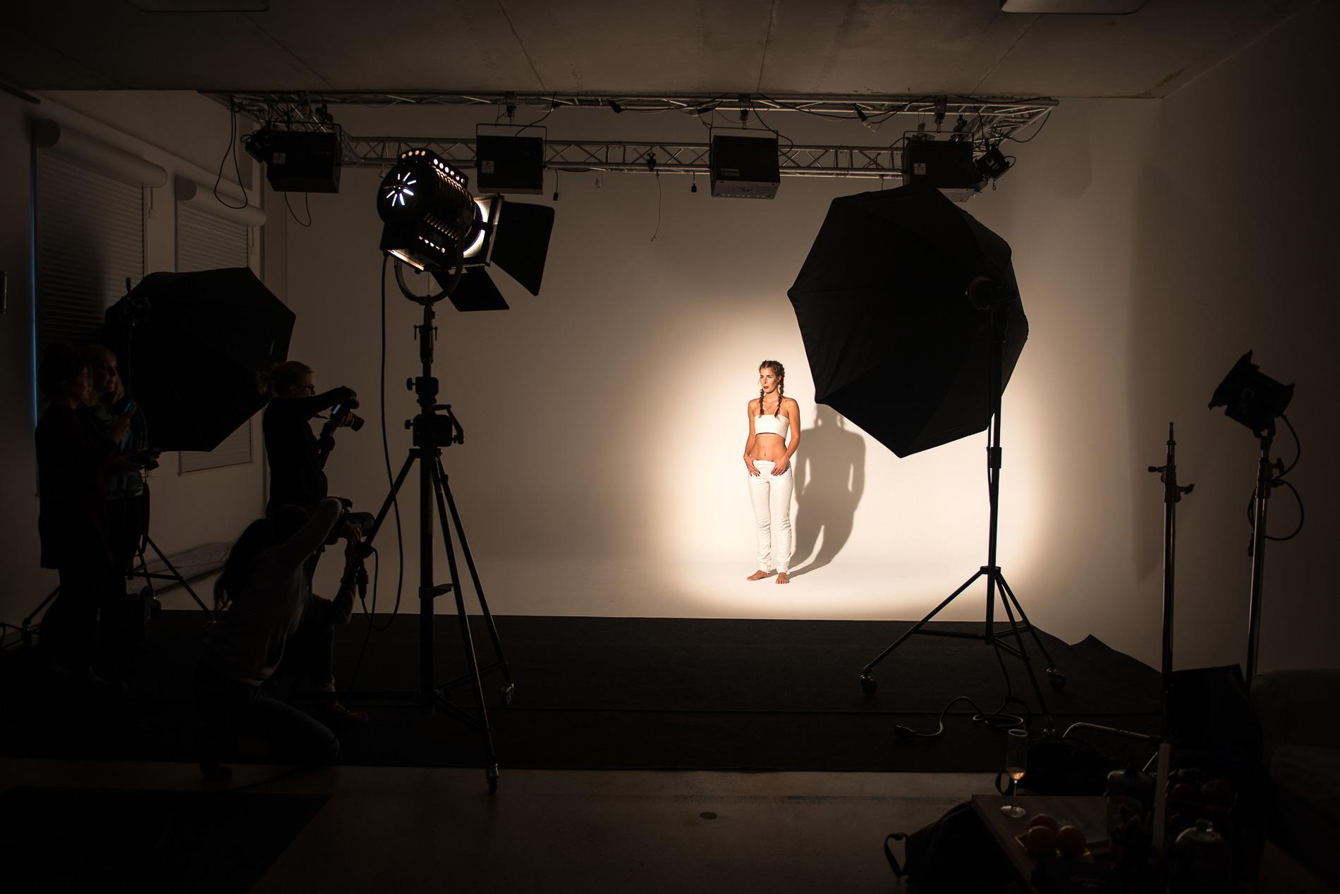 Fotografinnen Nachmittag mit Model Theresa Erben im Studio Leipzig